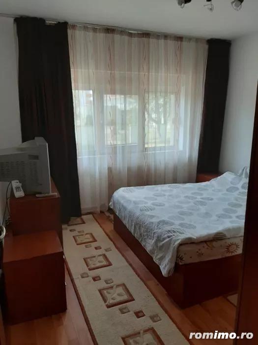 Apartament 3 camere, decomandat, zona Soarelui, centrala proprie