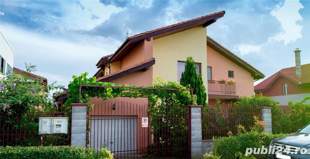 Proprietar!Vand casa cu 4 dormitoare, living, bucătărie, 3 bai, cămară,  dressing, garaj.