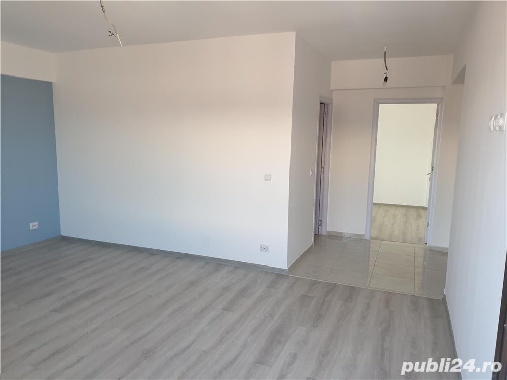 Ofer spre vanzare apartament 1, 2 si 3 camere decomandate in zona Lunca Cetatuii !