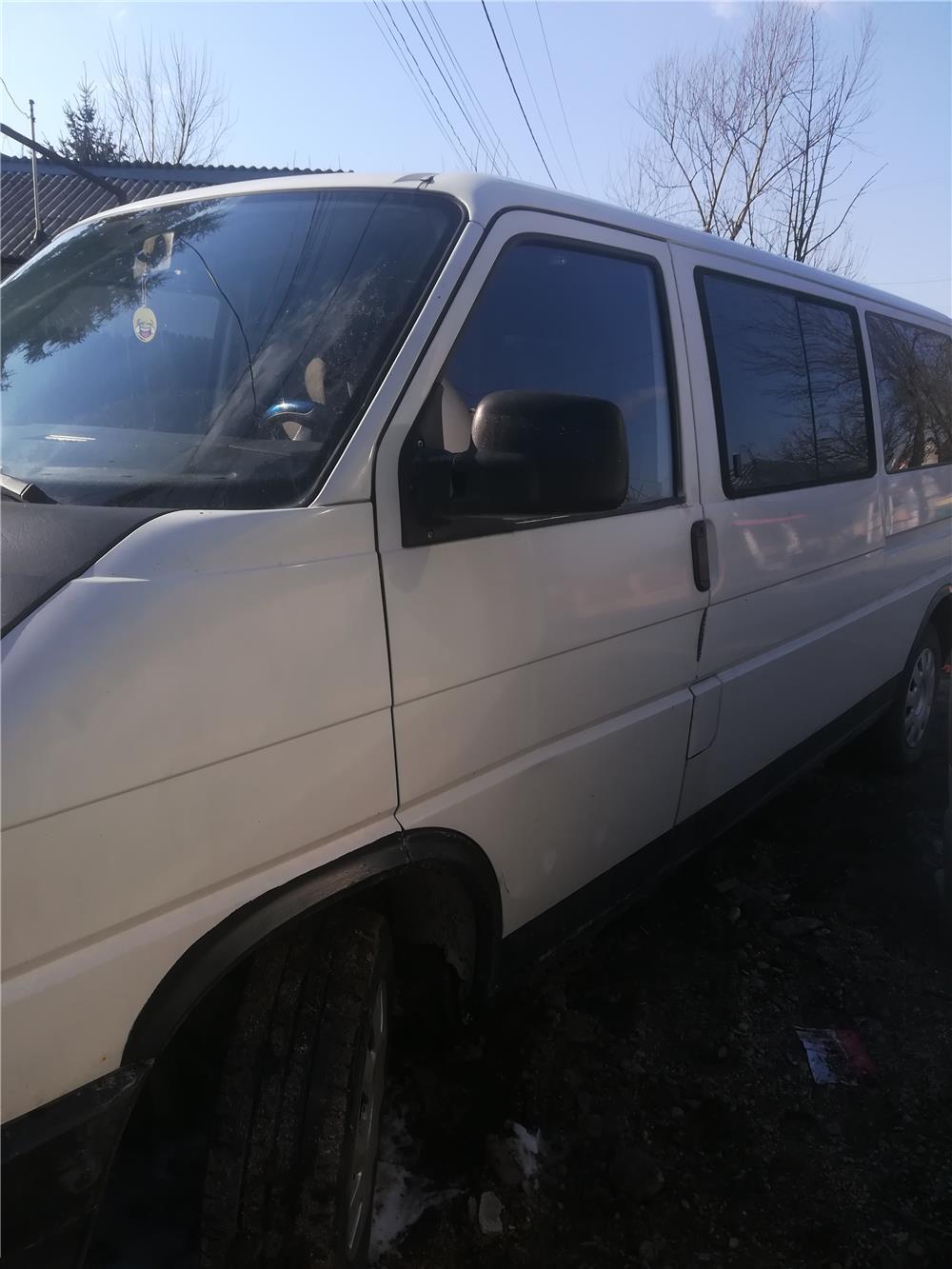 Microbuz 9 locuri