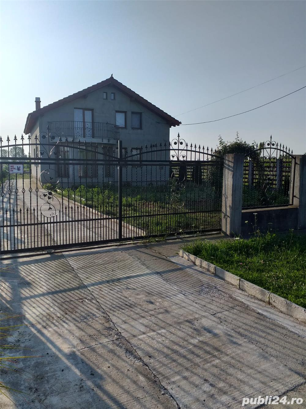 Casa / Vila de vanzare LAZURI tip p+1m