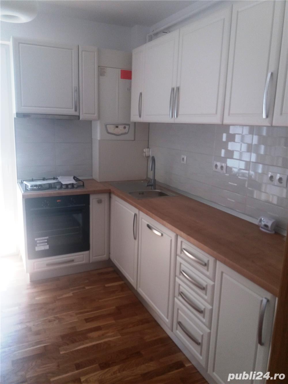 INCHIRIEZ apartament 3 camere nemobilat cu garaj ,zona Turnisor