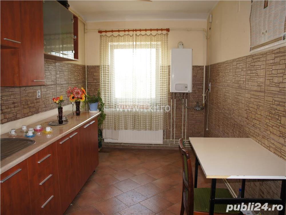 Apartament 3 camere de vanzare  in Sibiu zona Siretului