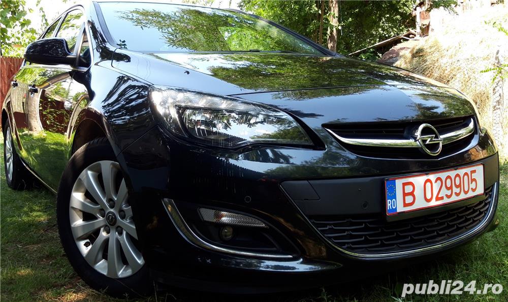 Opel Astra J Sports Tourer 7800 Euro Negociabil