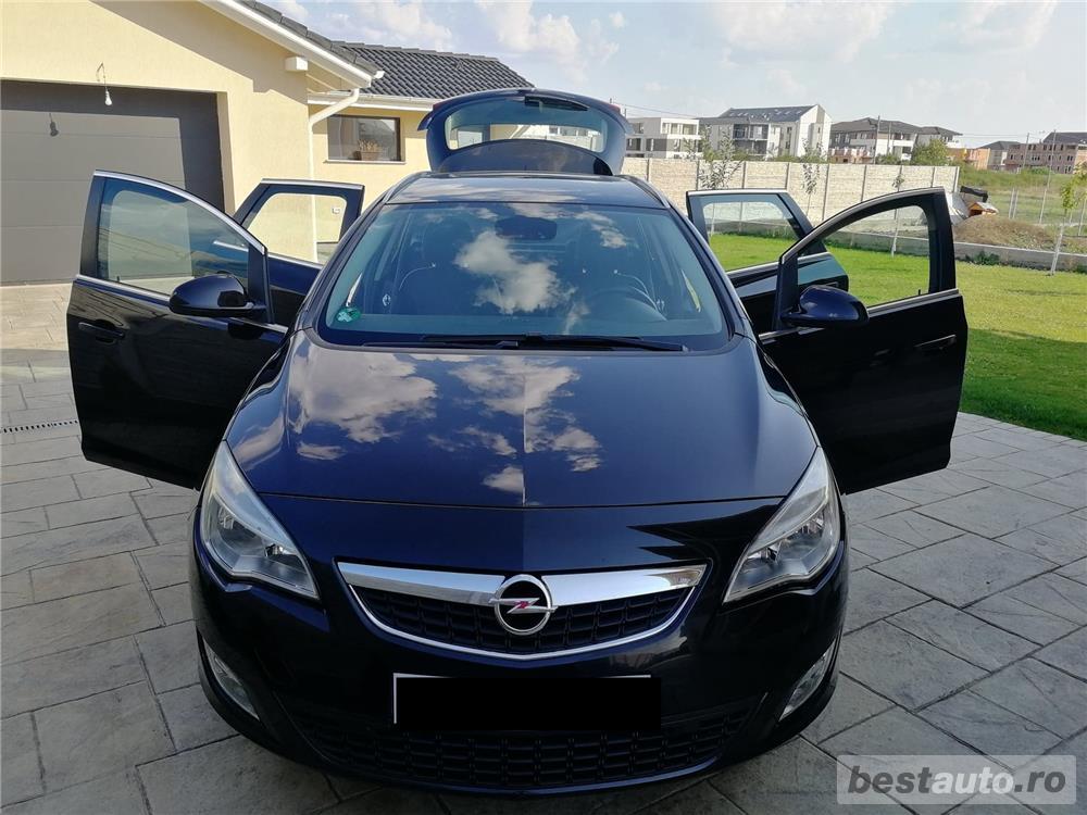 Opel Astra J COSMO 2013 Navigatie mare color