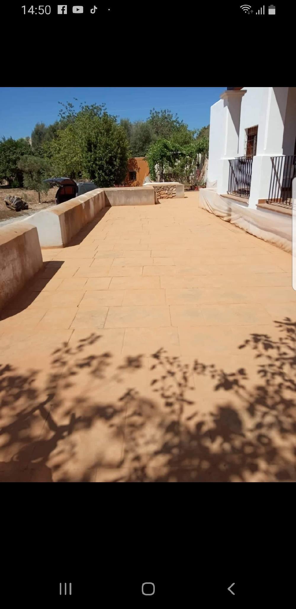 Suntem o echipă care facem beton amprentat și alte construcții în domeniul lucruri în construcții