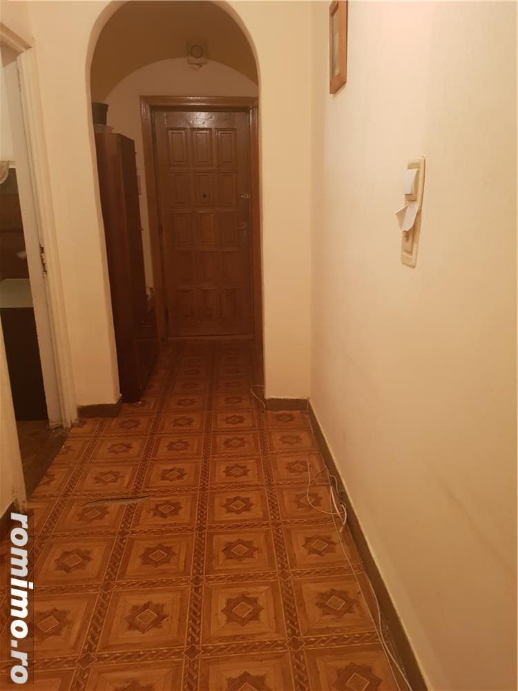 Caut apartament 1 /2 camere