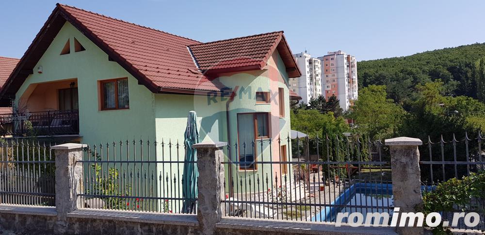 Casă cu 5 camere 240 mp de vânzare în Manastur, zona Colina, comision 0%