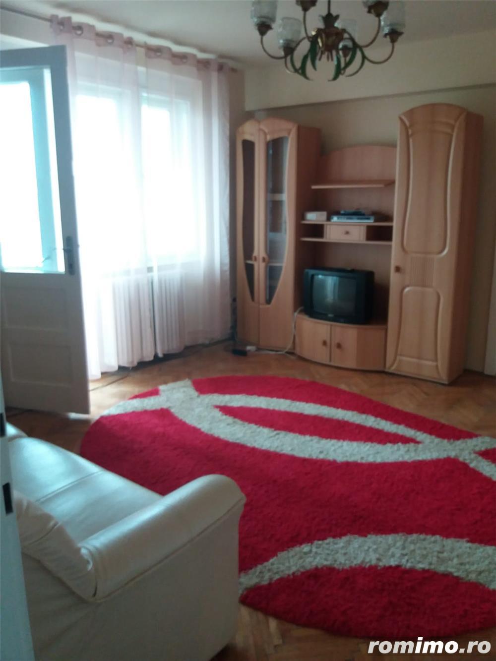 Balcescu, et3, 2 camere, renovat, 330 euro