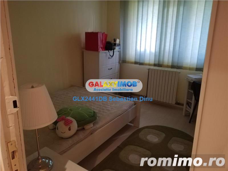 Vanzare apartament 3 camere , central Targoviste