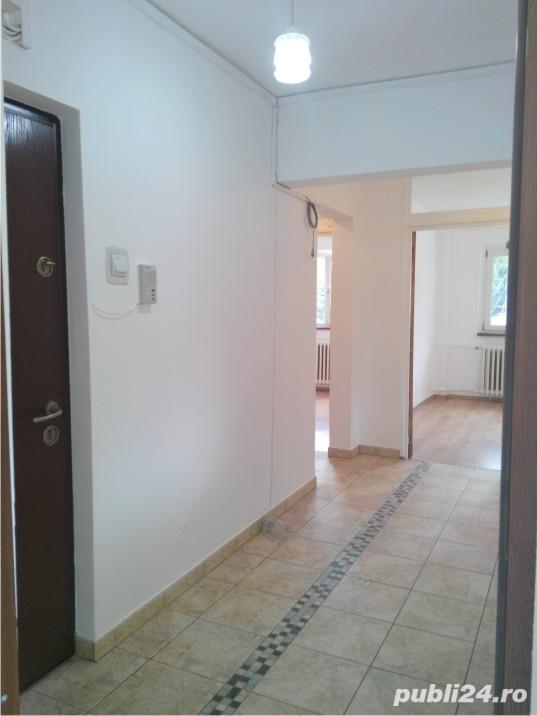 Inchiriez apartament 4 camere, Racadau