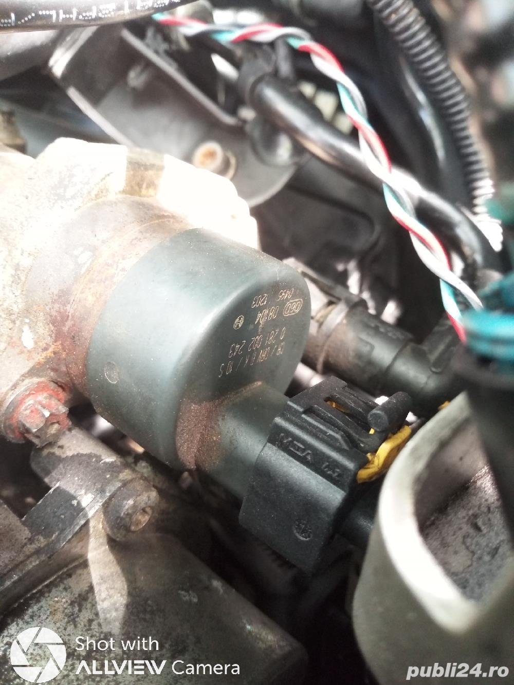 Regulator presiune + mufa cadou 1.9 jtd Fiat cod 0281002243