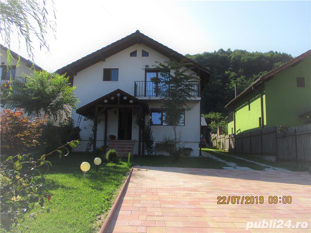 De vanzare casa la 10 km de centrul orasului Ramnicu Valcea