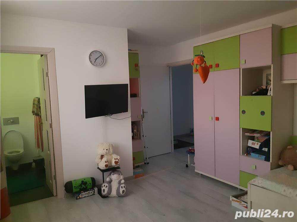 Vand casa complet mobilata si utilata, pret 12000 €  sau schimb cu apartament + dif