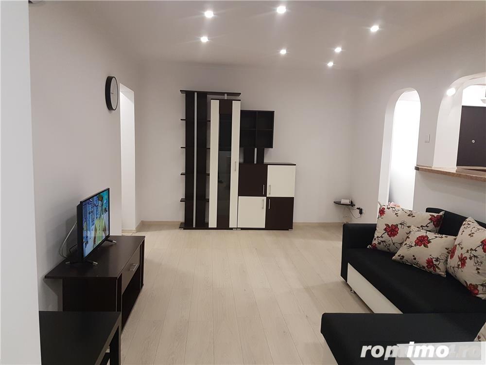 Inchiriez Apartament 2 Camere lux 400 euro