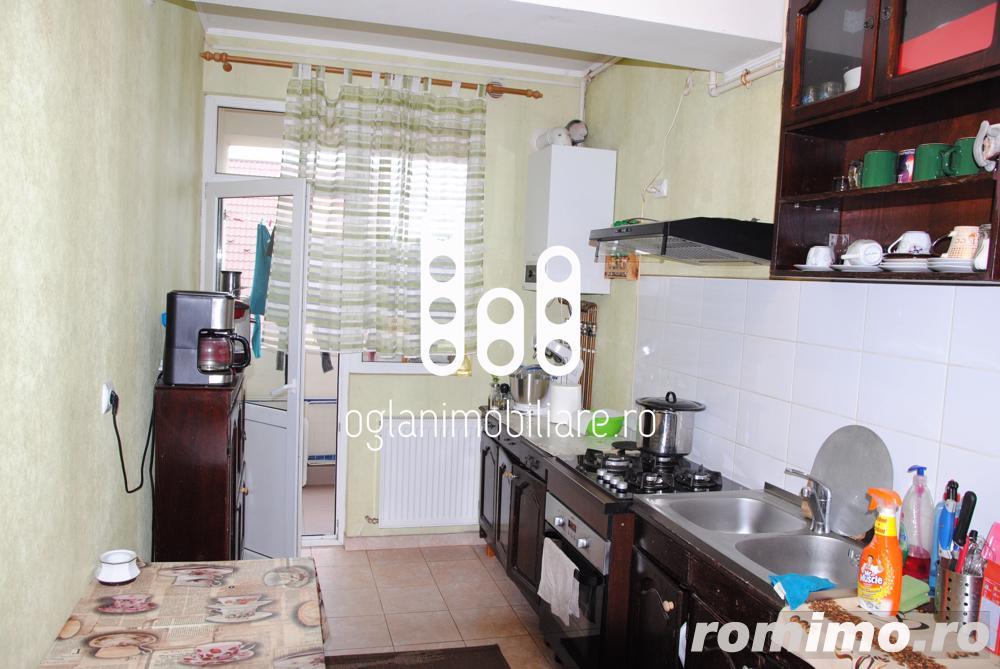 Apartament 2 camere, etaj 2 - zona Lazaret