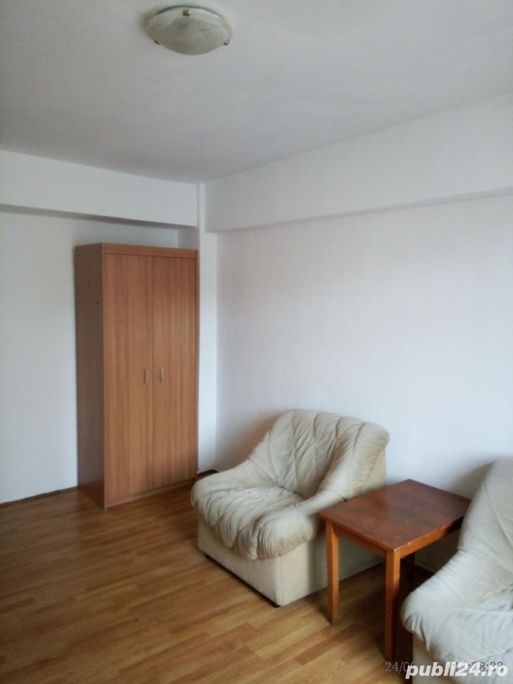 Proprietar ofer apartament 2 camere ultracentral centrala pe gaz
