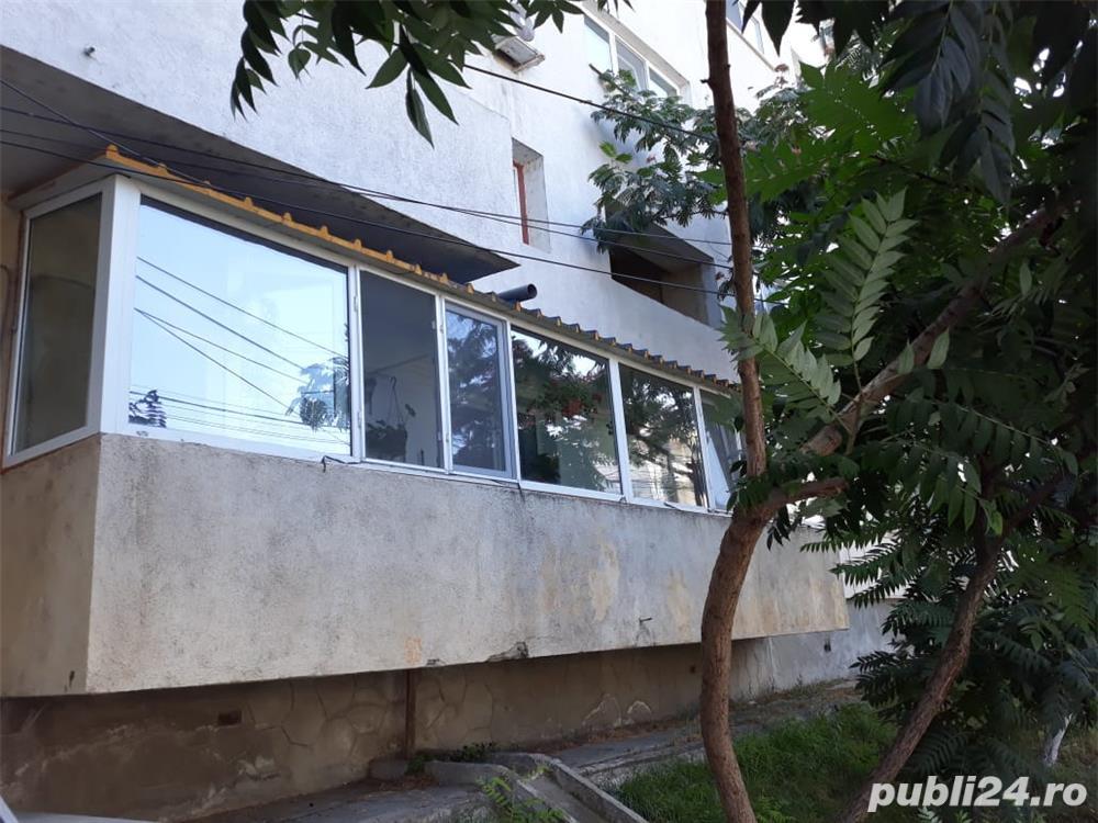 Vând apartament, zona centrală, parter înalt, 2 camere Tulcea