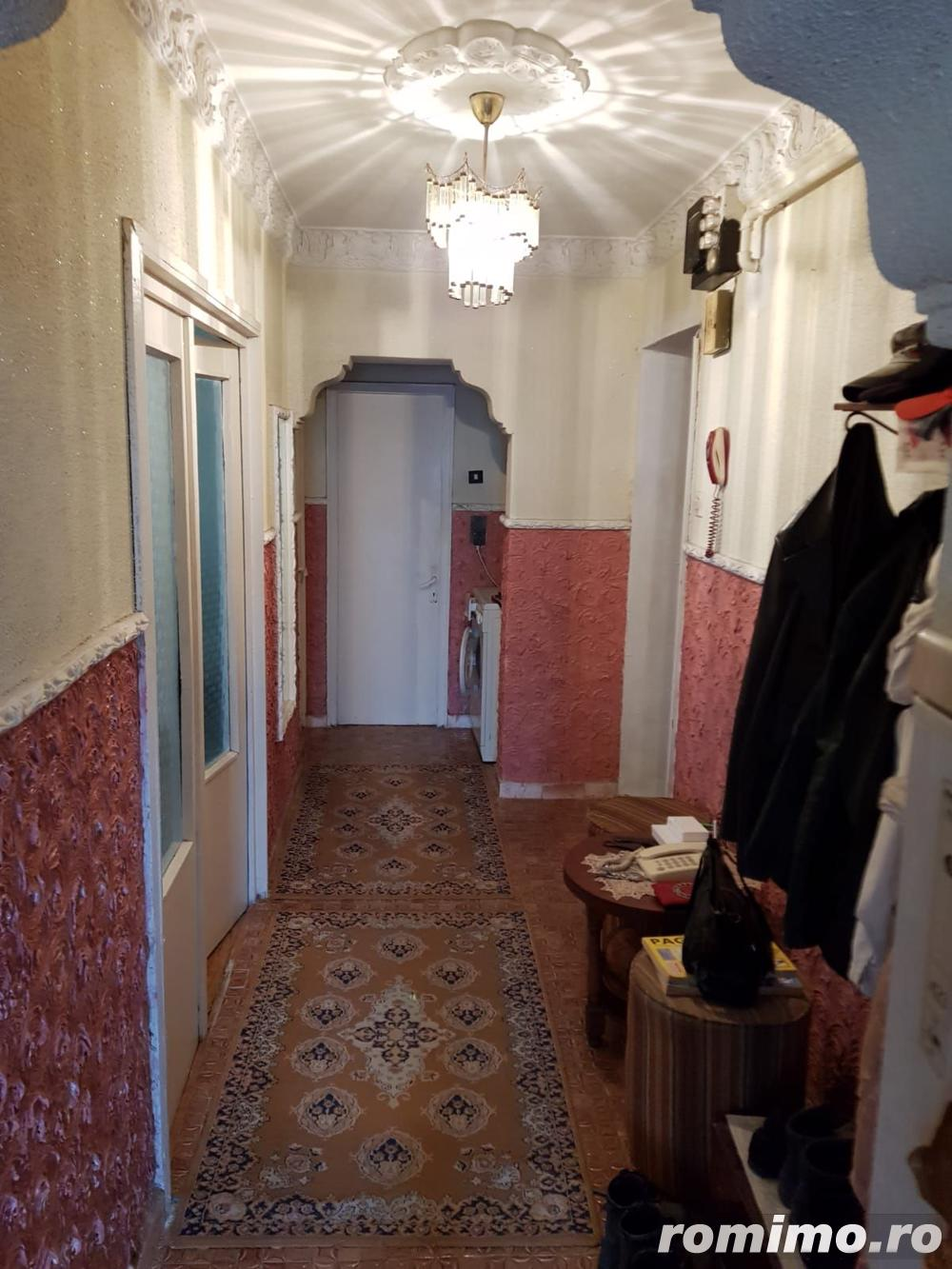 Apartament cu 3 camere, zona Faleza Nord