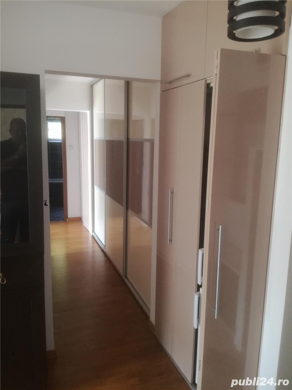 Inchiriez apartament 3 camere!
