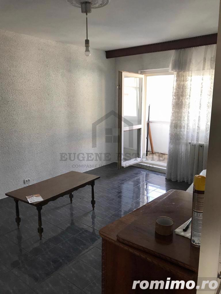 Apartament decomandat de 3 camere in zona Aviatiei