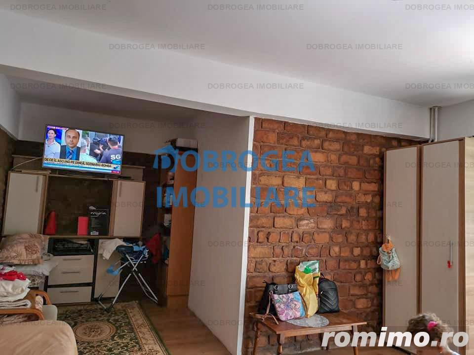 Isaccei, 2 camere, Etaj 2, decomandat, mobilat, 54 mp