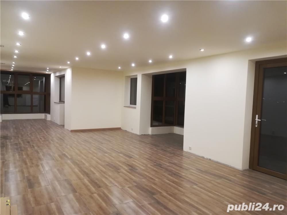 De închiriat parter și etaj în vila noua
