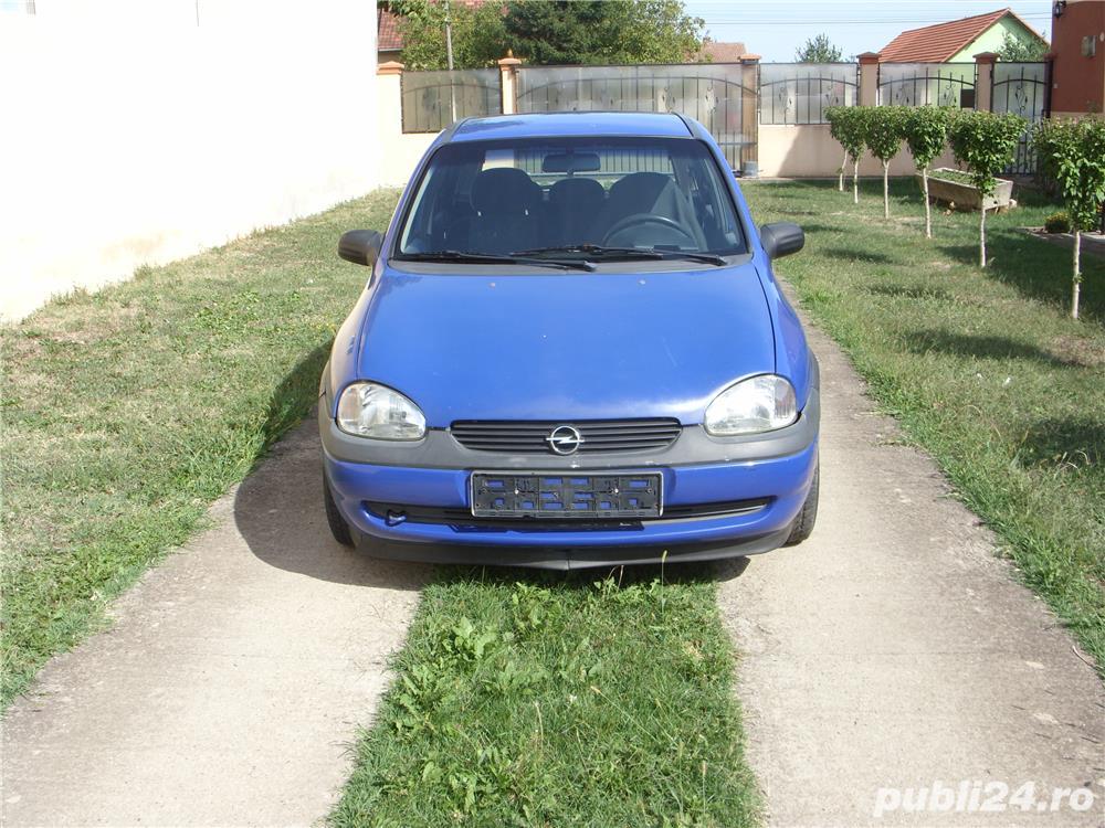 Dezmembrez Opel Corsa