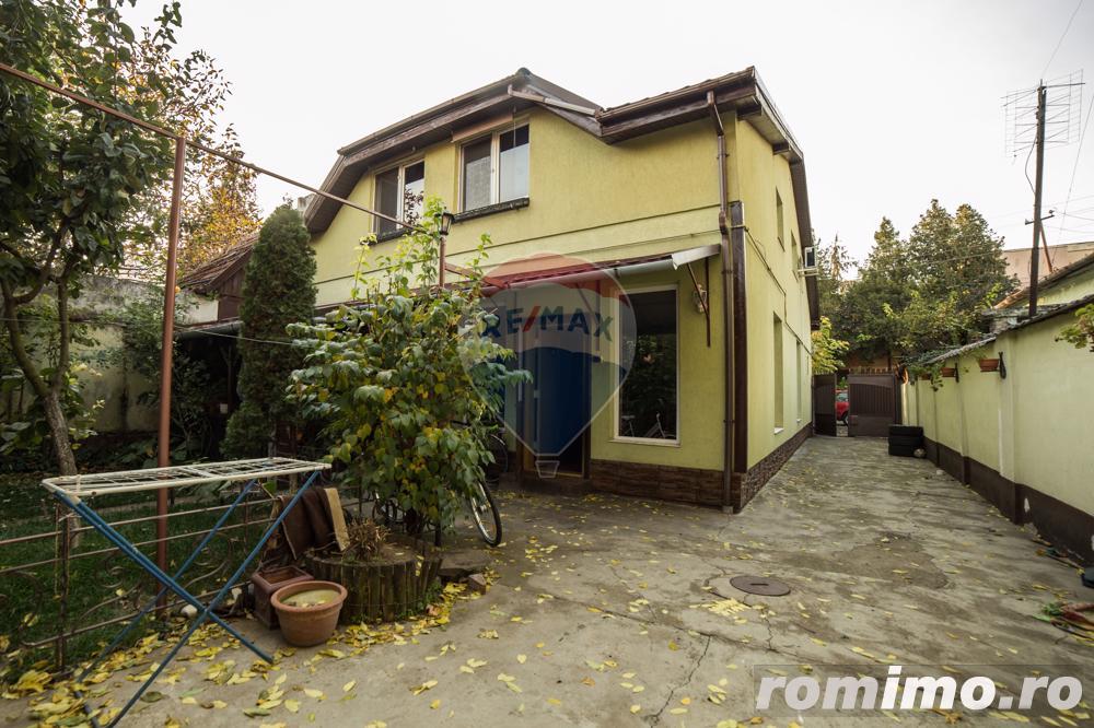 Casă / Vilă cu 5 camere de vânzare în zona Aurel Vlaicu