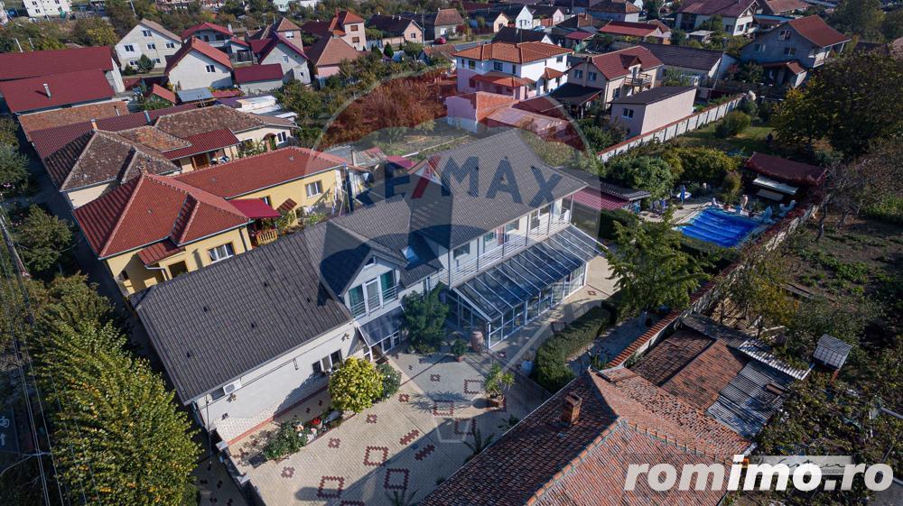 De vânzare casă / vilă cu 8 camere la intrarea în Sânnicolaul Mic