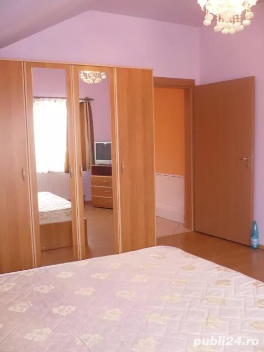 Inchiriez apartament 3 camere zona Intim - 17220