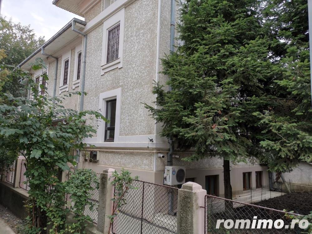 Palatul Cotroceni vila D+P+1Et 12 camere teren 365 mp singur curte
