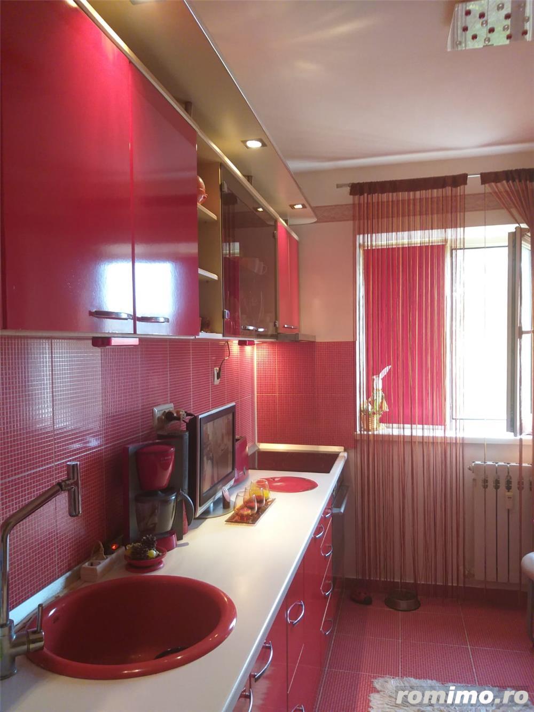 Tomis  3 - Apartament 3 camere semidecomandate
