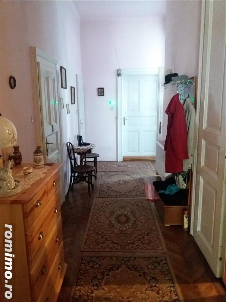 3 camere zona Balcescu 117 mp