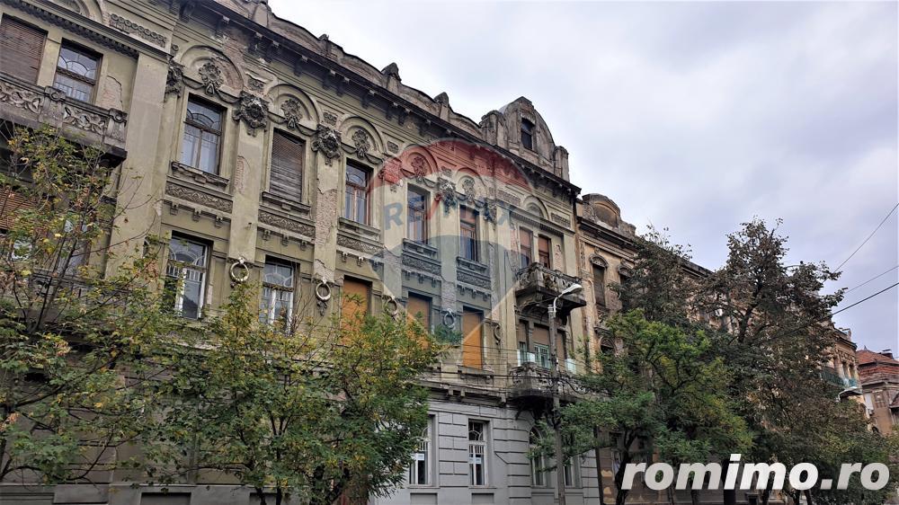 Apartament cu 4 camere de vânzare zona Sinaia , Comision 0%