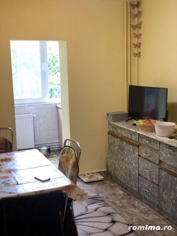 Zona LIPOVEI, apartament 2 camere, etaj III - OCAZIE DEOSEBITĂ!!!