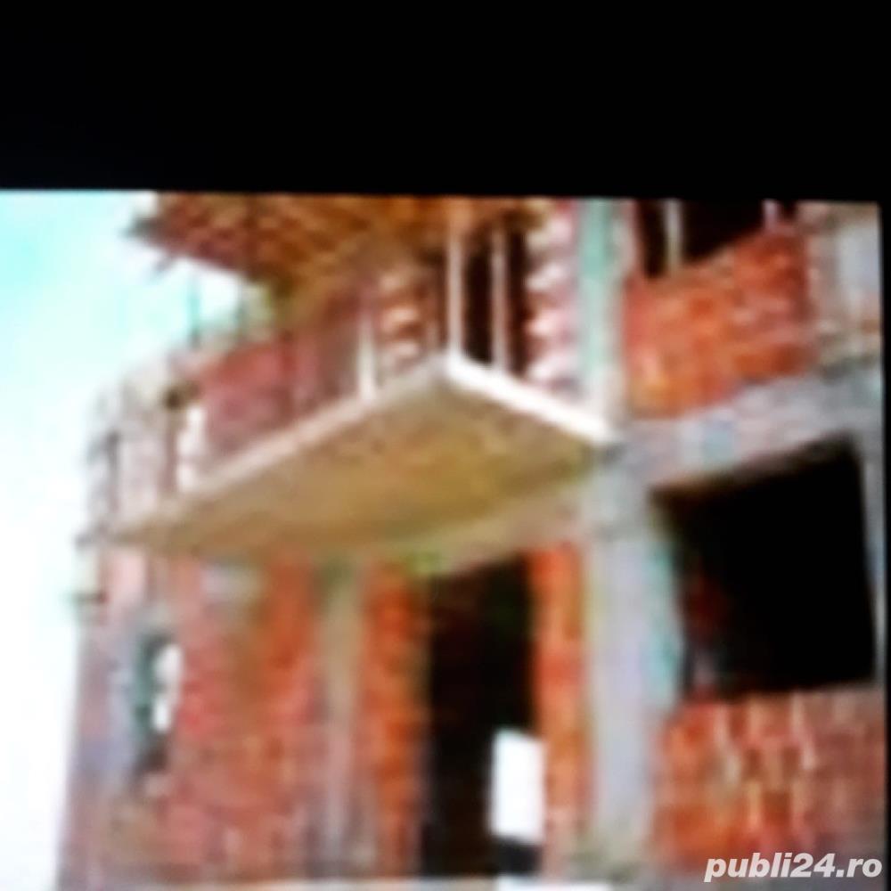 Casa 8 camere piata vitan str foisorului 390 metri la 79000 euro