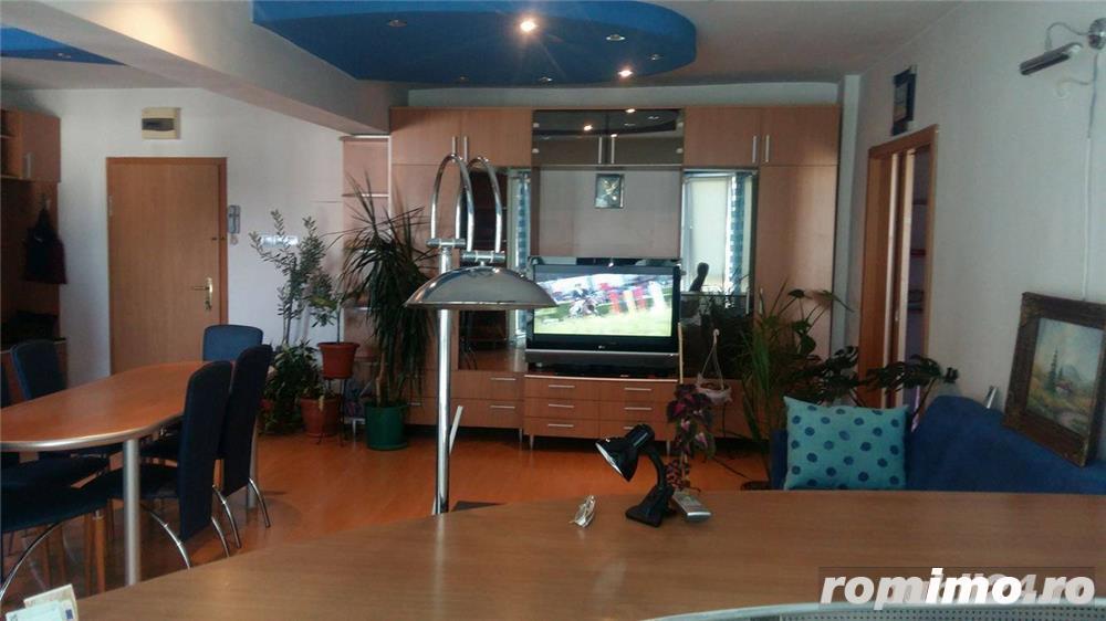 Vis a vis de Iulius Town .Apartament cu 2 camere/450 euro