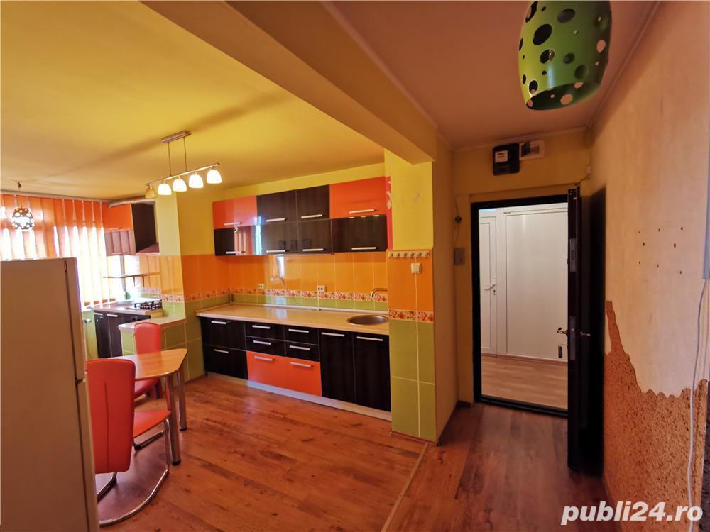 Ocazie!!! Apartament cu 4 cam si doua bai, decomandat, langa Stadion, Oradea, Bihor