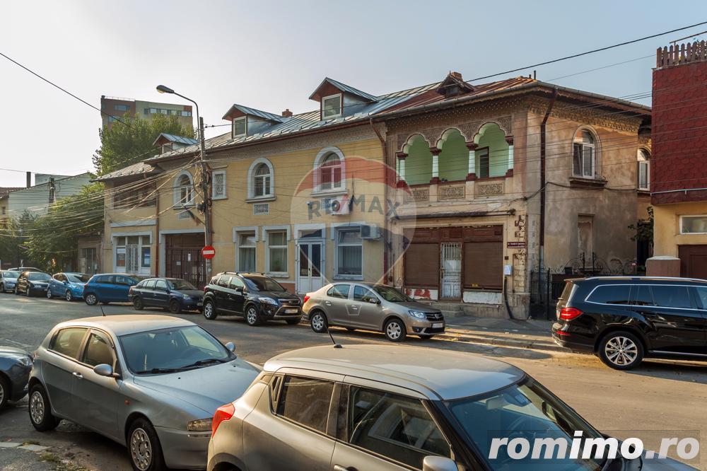 Casă / Vilă cu 14 camere de vânzare în zona P-ta Alba Iulia