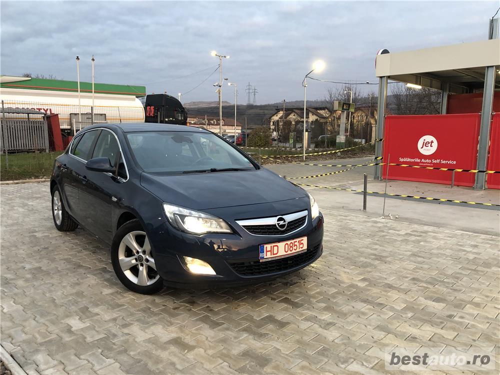 Opel Astra J*1.7-diesel*af.2010/luna 05*Euro 5*BiXenon*climatronic !