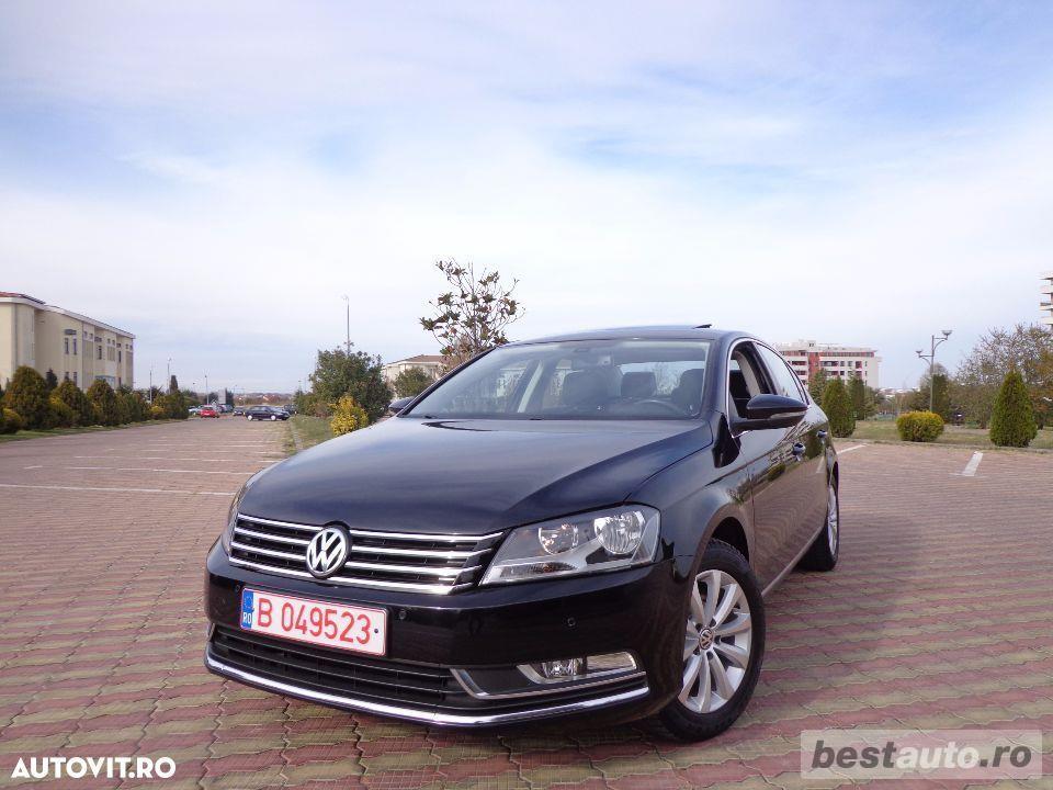 Volkswagen Passat // 1.6 TDi 105 CP // Trapa Electrica // Navigatie Mare 3D // Pilot Automat .