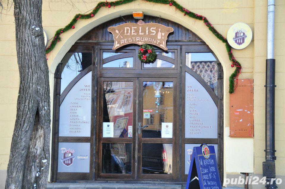 Restaurantul Delis angajeaza