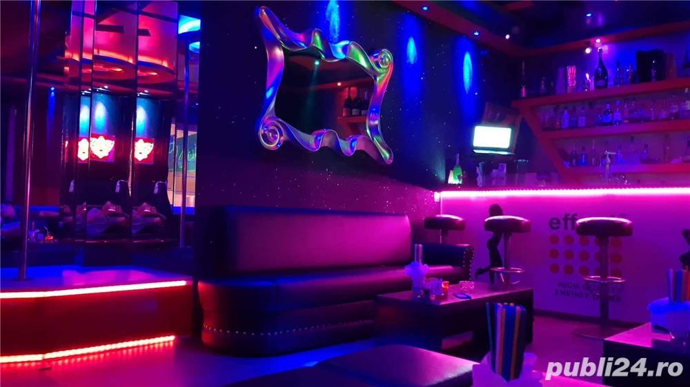Night Life Club Angajează dansatoare.