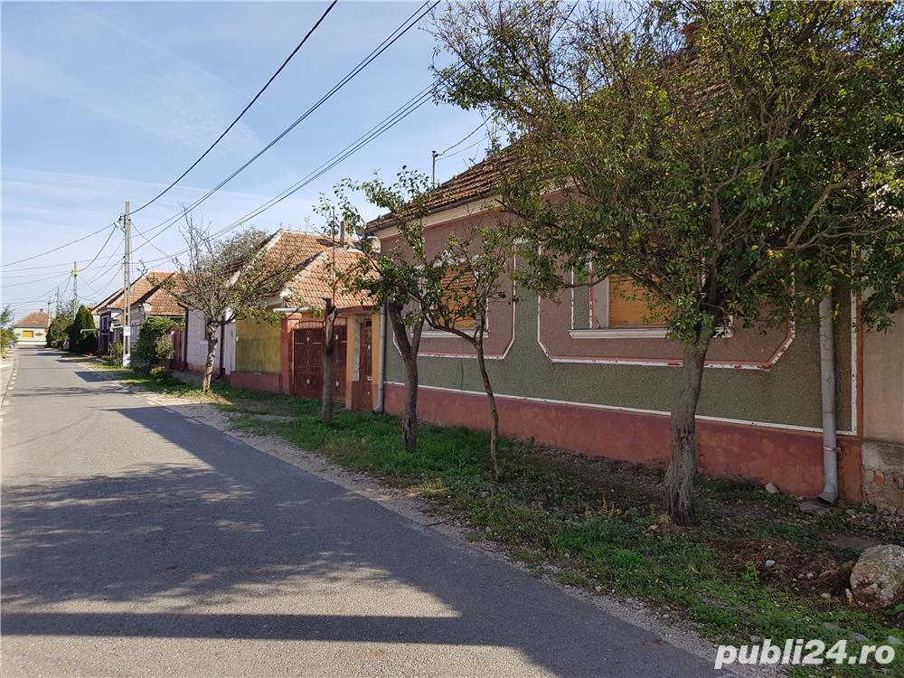 Vind casa familiala la 15 km vest de Oradea