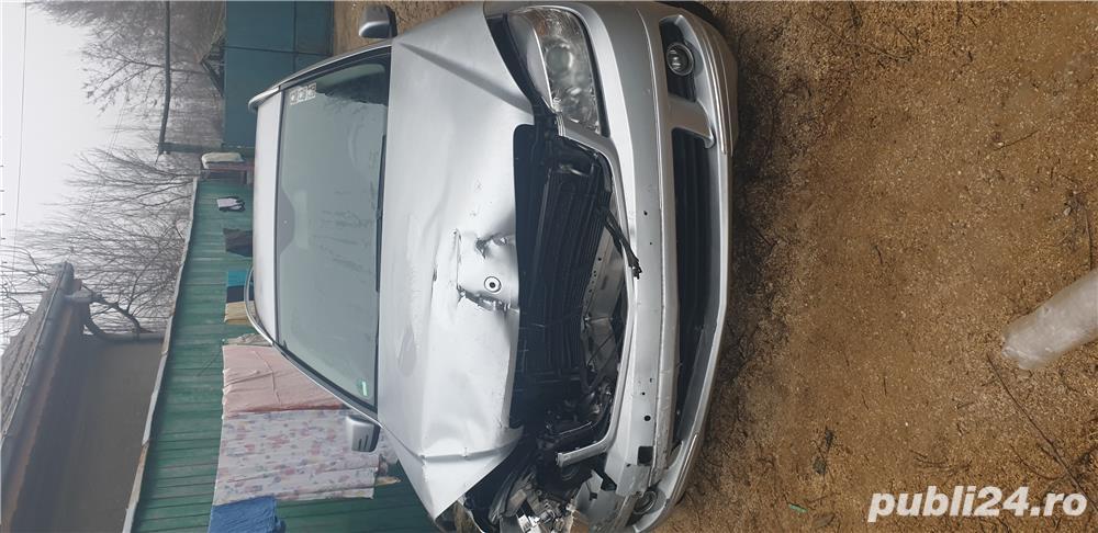 Vând sau dezmembrez Mercedes-benz 220