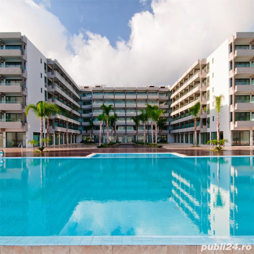 Resort Grecia angajeaza ajutor ospatar  750 euro