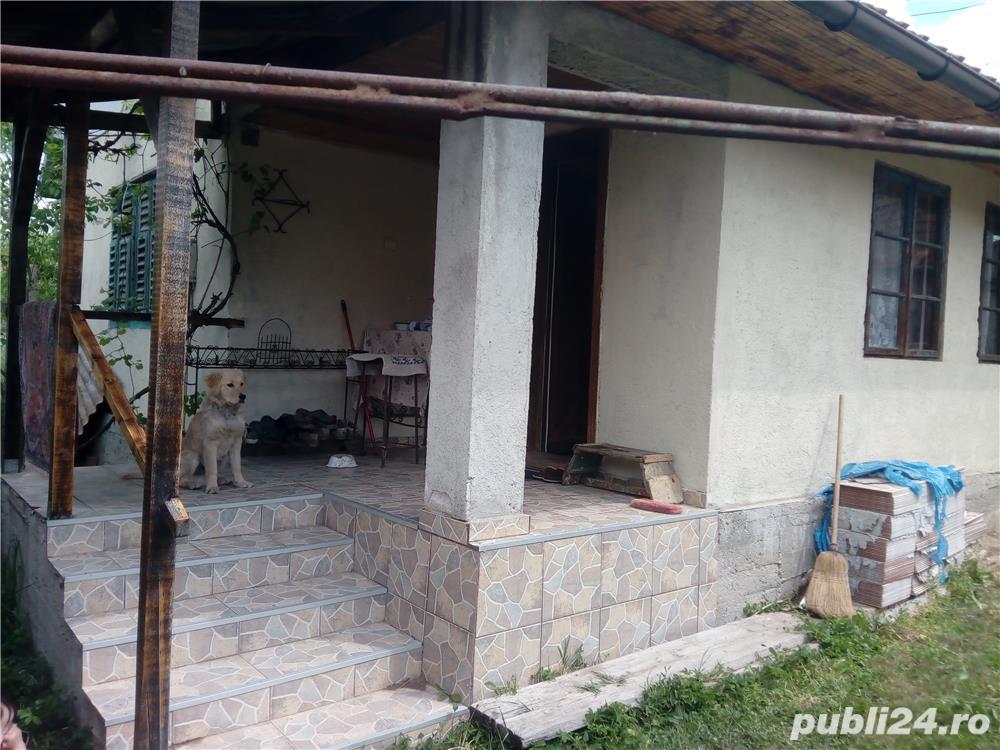 Hezeris, casa 3 cam renovata 2010