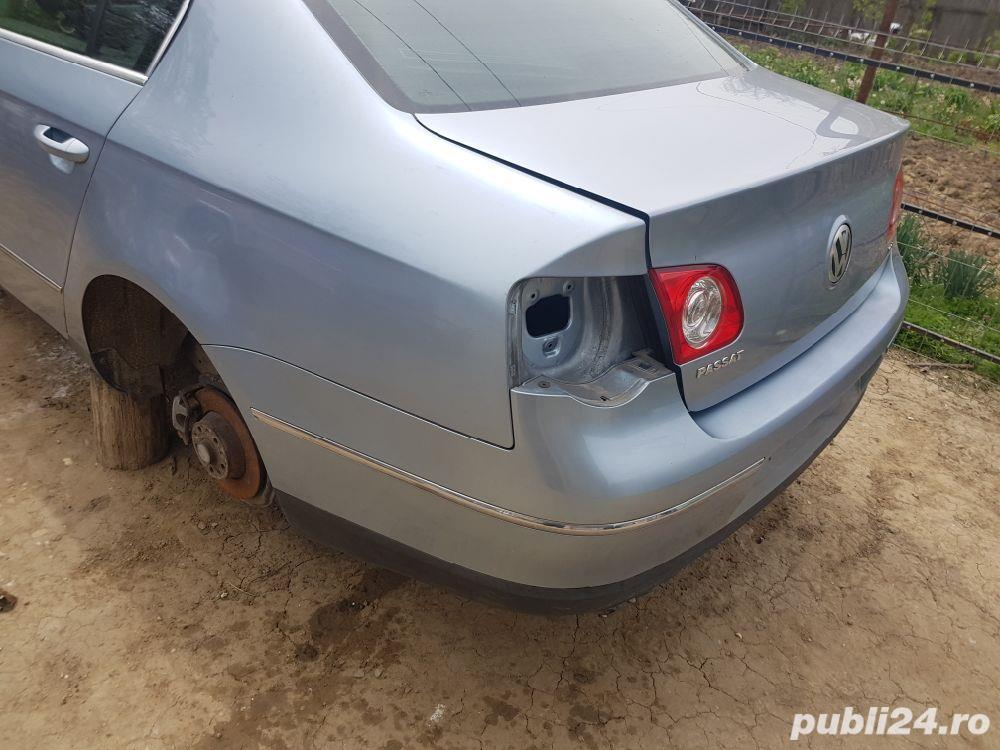 Bara / spoiler spate original VW Passat B6 / 3C berlina/ sedan/ limuzina culoare gri LB5M  gri