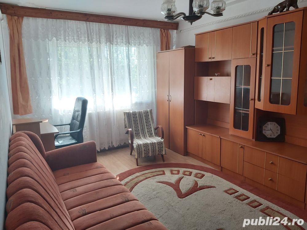 Apartament 3 camere Vasile Aaron